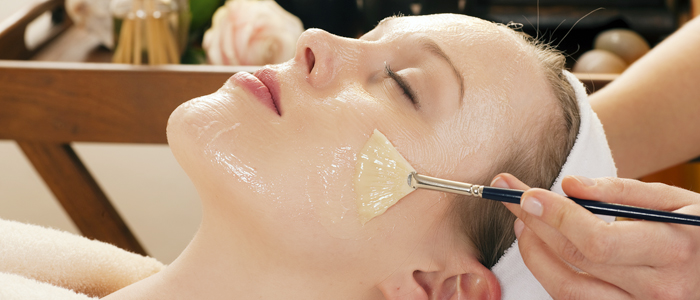 Attract everyone by a smoother and a brighter skin with the help of spa therapy